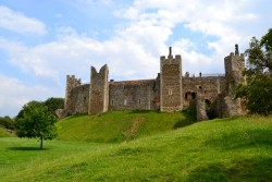 <b>Local Area Photo:</b><br>Framlingham Castle